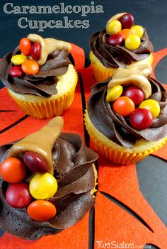 Thanksgiving Caramelcopia Cupcakes - these super cute Thanksgiving Cupcakes are so easy to make and will look great on your Thanksgiving Dessert Table.  For more delicious Thanksgiving Treats follow us at http://www.pinterest.com/2SistersCraft/