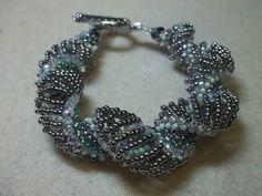 ▶ Expanding Curves Bracelet - #Seed #Bead #Tutorials