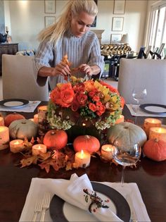 Thanksgiving with Yolanda Hadid. dress with candles, flowers with of course, baby pumpkins. Fall Table, Thanksgiving Table, Thanksgiving Decorations, Fall Home Decor, Autumn Home, Yolanda Foster Home, Seasonal Decor, Holiday Decor, Baby In Pumpkin
