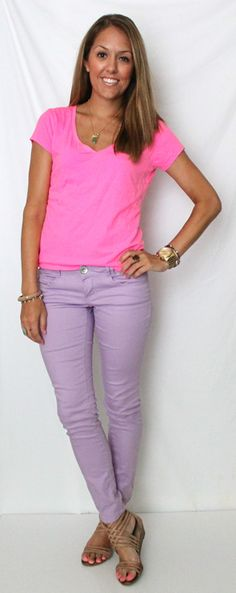 I love the color combo and casual style- her website is great with budget friendly outfits from expensive inspirations!