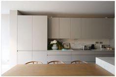 Cozinhas cinza: 13 ideias elegantes para usar na decoração (Foto: Divulgação)