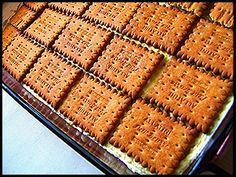Το γλυκό της τεμπέλας Greek Sweets, Greek Desserts, Cold Desserts, Party Desserts, Greek Recipes, No Bake Desserts, Cookbook Recipes, Sweets Recipes, Cake Recipes