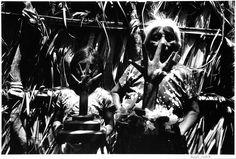 Graciela Iturbide Manos poderosas, 1986 Juchitán, Oaxaca, México Plata sobre gelatina