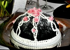 Gothic romance Hot Pink Flowers, Catering Business, Vanilla Cream, Marzipan, Raspberry, Sweet Tooth, Gothic, Romance, Sweets