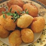 Frittelle di albumi al parmigiano Snack Recipes, Snacks, Antipasto, Fritters, Biscotti, Finger Foods, Italian Recipes, Tapas, Catering