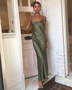 How to Wear a Satin Dress Skirt in Everyday Life « niubi. Silk Bridesmaid Dresses, Satin Dresses, Dance Dresses, Silk Dress, Silk Formal Dress, Green Formal Dresses, Dresses Short, Cute Dresses, Beautiful Dresses