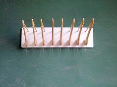 Creative DIY Dart Board Wall Hook  credit: Das rote Paket [http://www.curbly.com/users/matt-allison/posts/14351-how-to-make-a-diy-hanger-coat-rack]