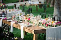 Summer wedding tables cape Destination Cabo wedding Cabo Surf Hotel | Floral design Lola del campo Florenta