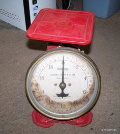 Antique Universal Landers Frary Clark 20 Lb. Scale Edit item   Reserve item Priced at $35.00