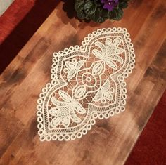 "Table Centerpiece Point Lace Romanian Style Crochet Doily, Ivory, Floral Pattern, 18"" x 11""  #39"