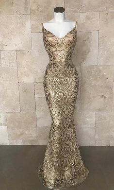 Love the silhouette of this gown! Love the silhouette of this gown! Beautiful Gowns, Beautiful Outfits, Elegant Dresses, Pretty Dresses, Bridesmaid Dresses, Prom Dresses, Gatsby, Looks Vintage, Silhouette