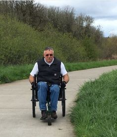 Get the America the Beautiful Access Pass & go wheelchair hiking for free in state parks nationwide! - www.wheel-life.org