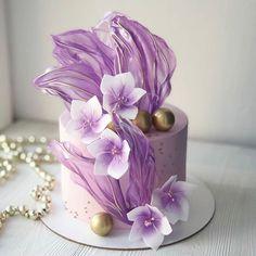 Ocean Birthday Cakes, Birthday Cake Roses, Elegant Birthday Cakes, Creative Cake Decorating, Birthday Cake Decorating, Cake Decorating Techniques, Fondant Cake Designs, Fondant Flower Cake, Cupcake Cakes