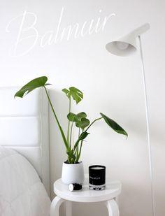 Balmuir - Tyylikäs tuoksukynttilä & joululahja! Floating Nightstand, Home And Garden, Minimalist, Fresh, Living Room, Lifestyle, Table, Flowers, House