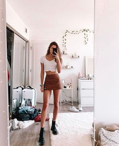 Casual and Simple Spring Outfits Ideas Spring Outfits, Trendy Outfits, Fashion Outfits, Womens Fashion, Black Outfits, Girly Outfits, Simple Outfits, Gothic Fashion, Looks Vintage