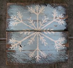 Painted Pallet Wood Snowflakes If you love pallets, have a bunch of scrap pallet wood sitting around (or even just a few pieces), would like a quick and easy project…I may have just the proje… Christmas Wood Crafts, Pallet Christmas, Christmas Signs, Christmas Art, Christmas Projects, Winter Christmas, Holiday Crafts, Christmas Decorations, Winter Wood Crafts