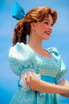 Disney Cosplay at its best! Sora at Disney World! Peter Pan Wendy, Peter Pan Jr, Disney Cosplay, Disney Costumes, Candy Costumes, Adult Costumes, Walt Disney World, Disney Pixar, Disney Icons