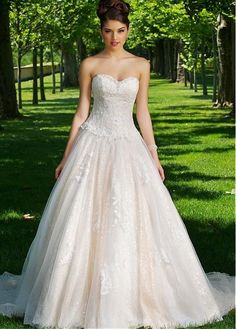 Shining Tulle Sweetheart Neckline Natural Waistline A-line Wedding Dress With Beaded Lace Appliques
