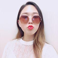 Hexagon sunglasses! It looks so special isnt it? 🙆 #anytimeglasses #anytimesunglasses #sunglasses #ootd #eyewear #fashion #fashionsunglasses #korean #koreanstyle #koreanfashion #hexagon #hexagonsunglasses #benzenering #california #dtla #downtownla #losangeles #special #selfie #chu #kiss