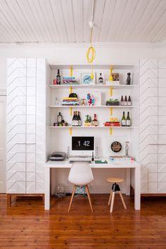 Bureau blanc avec chaise Eames