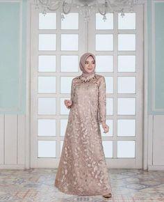 Fashion Hijab Wedding Maxi Dresses 27 Best Ideas Source by dresses muslim Dress Brukat, Kebaya Dress, Dress Pesta, Batik Dress, Lace Dress, Swag Dress, Dress Shoes, Dress Brokat Muslim, Dress Brokat Modern
