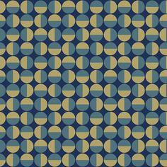 Vertigo - Arne Jacobsen var en mester udi at skabe komplekse mønstre ud af simple geometriske former, som her med cirkler/halvcirkler. Mønstret blev oprindeligt lavet til møbelstof, men pynter også på væggen.