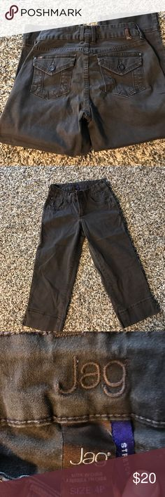 Jag stretch Capri 4P EUC no damage. Jag Stretch Capri women's 4 Petite in chocolate brown Jag Jeans Pants Capris