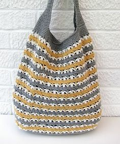 Knitted Grocery Bag Pattern Ravelry Grrlfriend Market Bag Pattern By Laura Spradlin, Tote A Knitted Bag To The Farmers Market This Summer, 23 Market Bag Patterns To Crochet Knit Or Sew Wee Folk Art, Free Crochet Bag, Crochet Market Bag, Crochet Diy, Love Crochet, Filet Crochet, Beautiful Crochet, Crochet Crafts, Crochet Stitches, Crochet Projects