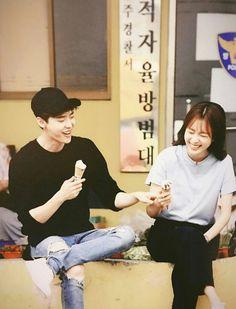 W the two worlds Han Hyo Joo and Lee Jong Suk Han Hyo Joo Lee Jong Suk, Lee Tae Hwan, Jung Suk, Lee Jung, W Korean Drama, Korean Drama Movies, Korean Actresses, Korean Actors, W Two Worlds Wallpaper