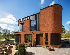adrian-james-architects-incurvo-curving-brick-house-oxfordshire-designboom-02