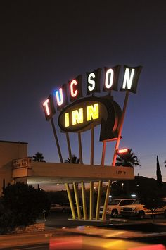 Vintage neon sign: Tucson Inn; Tucson, AZ