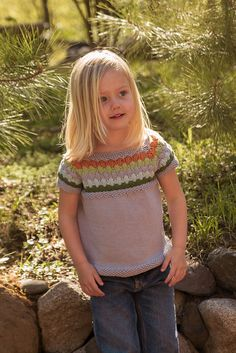 2T Ravelry: Project Gallery for Sourpatch pattern by Corrina Ferguson.. seamless, raglan, short sleeve, 5kfb puffy stich
