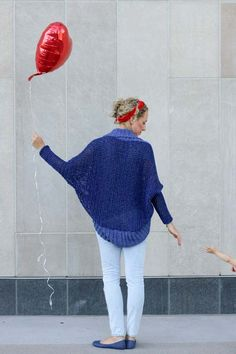 The Stonewash Shrug free crochet pattern and a peek at the real life of a croche… Easy Crochet Shrug, Crochet Cardigan Pattern, Cute Crochet, Knit Crochet, Double Crochet, Crochet Sweaters, Crochet Blankets, Crochet Designs, Crochet Patterns