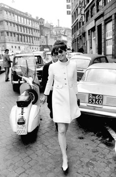 Audrey in a cream mod coat and colour blocked flats. I want those goodies now.