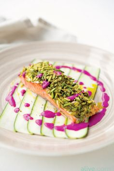 This Pistachio-crusted Salmon with Beet Yogurt Sauce is just as much of a delight for the eyes as it is for the palate! Each component offers a unique health benefit, including protein, vitamins, and minerals, plus detoxifying beets. Salmon Recipes, Fish Recipes, Seafood Recipes, Cooking Recipes, Pistachio Crusted Salmon, Masterchef, Seafood Dishes, Food Presentation, Food Design