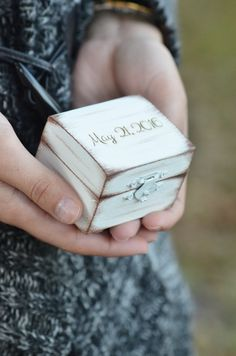 2 WEEKS PROCESSING TIME (PRIOR TO SHIPPING). PLEASE PLAN ACCORDINGLY. Adorable rustic chic ring bearer box perfect for a vintage, rustic, country, barn, beach, mountain wedding theme. This box is the perfect alternative for the ring bearer to carry down the aisle and beautiful