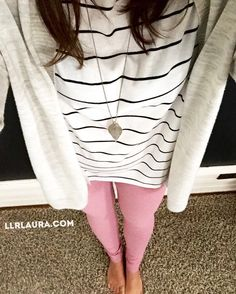 Outfits with leggings LuLaRoe Irma tunic with heathered leggings! Pink Leggings, Dresses With Leggings, Leggings Style, Striped Leggings Outfit, Lula Outfits, Casual Outfits, Winter Outfits, Wardrobe Makeover, Leggings Fashion