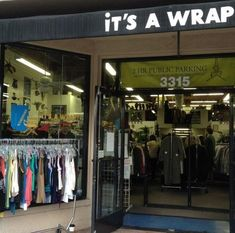 It's a Wrap all the clothing sold at this vintage store are from film each price tag tells you what show or movie it was worn in Los Angeles Travel Guide, Los Angeles Shopping, California Love, Vintage Outfits, Vintage Clothing, Historical Sites, Oh The Places You'll Go, Trip Planning, Thrifting