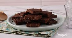 No-Bake Vegan Date Brownies Date Brownies, Chewy Brownies, Diabetic Friendly Desserts, Vegan Desserts, Vegan Dating, Healthy Snacks, Healthy Recipes, Macro Meals, Brownie Recipes