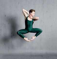 LE ROI DANSE: Derek Dunn - Soliste - Ballet de Houston - Photo... Male Ballet Dancers, Houston, Photography, Beautiful, Ballet Dancers, King, Photograph, Fotografie, Photoshoot