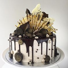 The Oreo cake Crazy Cakes, Fancy Cakes, Cake Cookies, Cupcake Cakes, Bolo Tumblr, Decoration Patisserie, 21st Cake, Naked Cakes, Bolo Cake