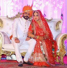 🔥🔥🔥 Royalty of India Wedding Couple Poses, Couple Posing, Wedding Couples, Rajasthani Bride, Rajasthani Dress, Brides Mom Dress, Royal Indian, Rajputi Dress, India Culture