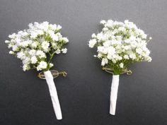 Bouquets et fleurs pour les témoins et les demoiselles d'honneur, boutonniere, bracelet floral, bouquet mariage