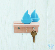 Home Harbor Key Holder van Kikkerland bestel je bij Cadeau. Buzzfeed Gifts, House Essentials, Dads, Wall Anchors, Wooden Gifts, Wall Hooks, Crafts To Do, All Modern, Home Accessories