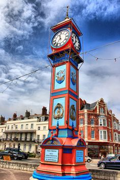 Weymouth's Jubilee Clock - memories of childhood holidays, sandy sandwiches and knowing mum and dad were sitting somewhere along the line between the clock and the sea! What A Wonderful World, Wonderful Places, Beautiful Places, Open Space Architecture, England Ireland, As Time Goes By, Scenic Photography, Pictures To Paint, Kirchen