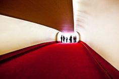 uppiluften:    TWA's terminal designed by Eero Saarinen | FlyTWA