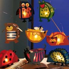 Lampion/ lantern Maybe use tissue paper for the transparent parts❤️ Más Diy And Crafts, Arts And Crafts, Paper Crafts, Lantern Crafts, Diy Lantern, Diy For Kids, Crafts For Kids, Creation Deco, Autumn Crafts