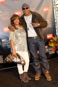 LL Cool J and Nelly at BET Hip Hop Awards