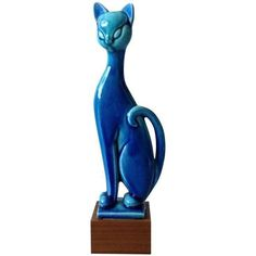 Royal Haeger Mid Century Modern Blue Cat ($1,250) ❤ liked on Polyvore featuring home, home decor, decorative objects, filler, cat statue, blue home decor, blue home accessories, mid century modern home decor and cat home decor