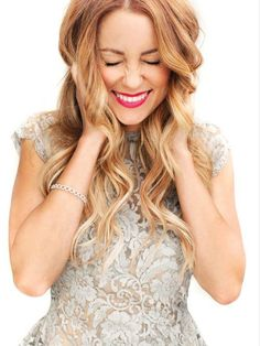 Blonde hair, ombré style, makeup ideas, red/pink lipstick, gorgeous smile, formal ideas, hairstyles